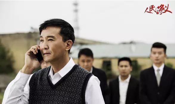 儒意欣欣、凤凰传奇影业完美错过《人民的名义》,湖南卫视如何从央视手中抢下独播权?