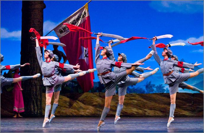 """中央芭蕾舞团""""手撕""""法官,批斗式文风让95后活久见:莫非穿越了?"""