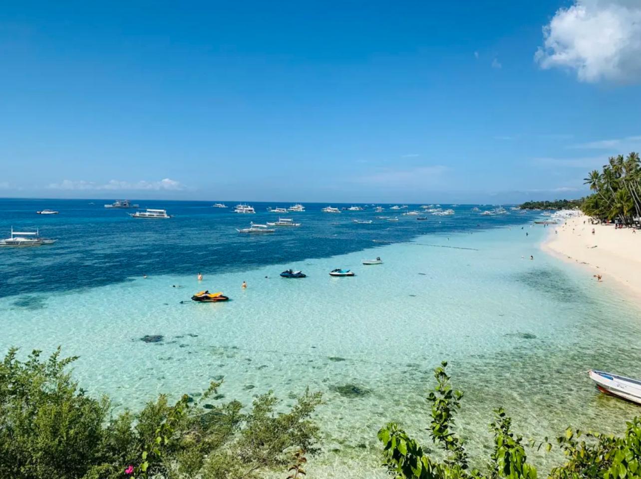疫情重创全球旅游业:中国游客消失、酒店零预定、景点门可罗雀